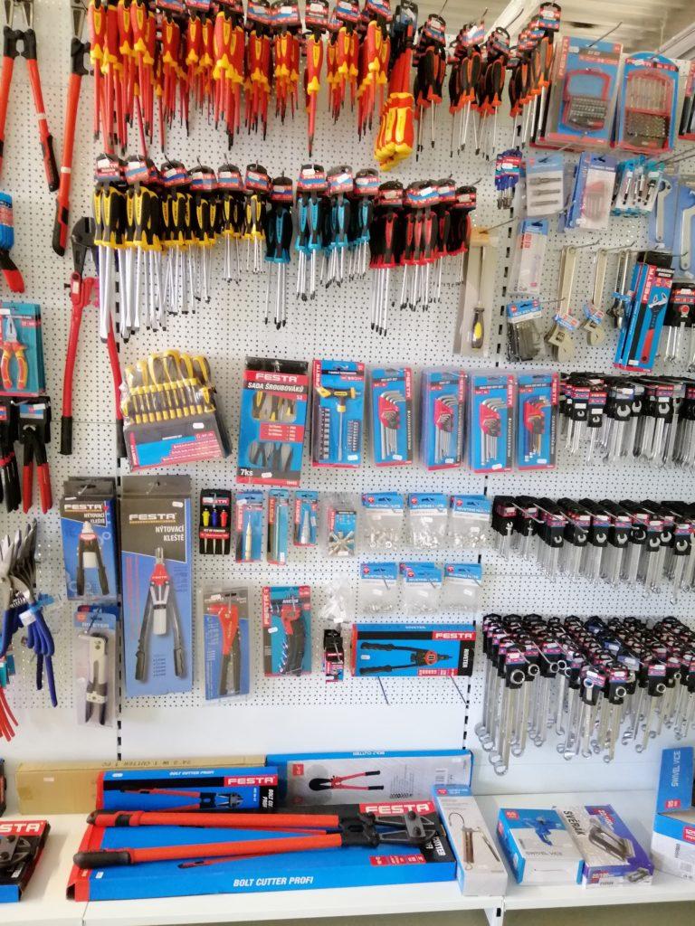 NARETA nabízí, šroubováky, nýtovací kleště, imbusové klíče, elektro šroubováky, křížové šroubováky, ploché šroubováky, sekáče
