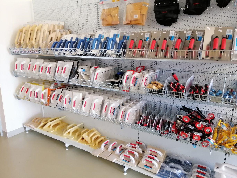 NARETA nabízí, hladítka, zednické lžíce, škrabáky, nerezové hladítka, spárovací hladítka